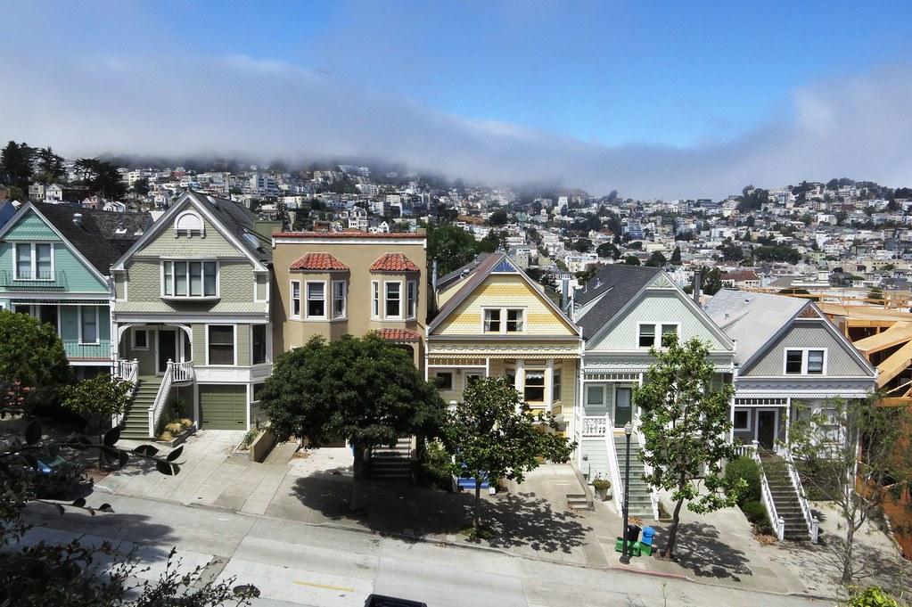 «Золотые» квадратные метры: как крупные города душат себя собственным успехом