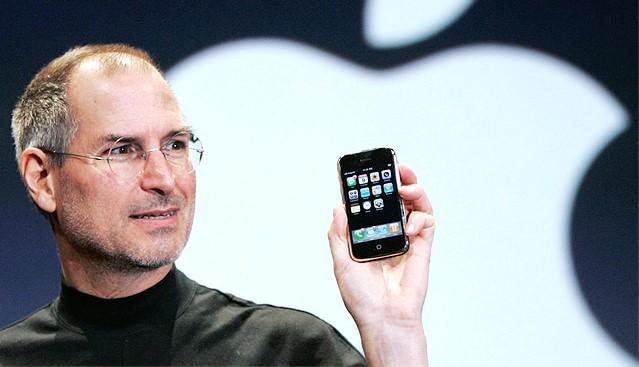 Десять лет iPhone: как Стив Джобс изменил мир