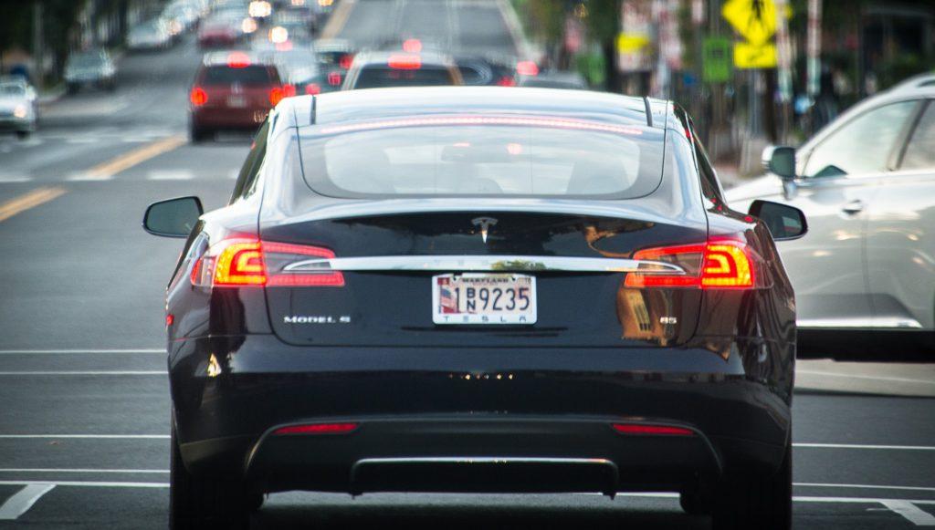 Tesla: компания будущего, застрявшая в прошлом