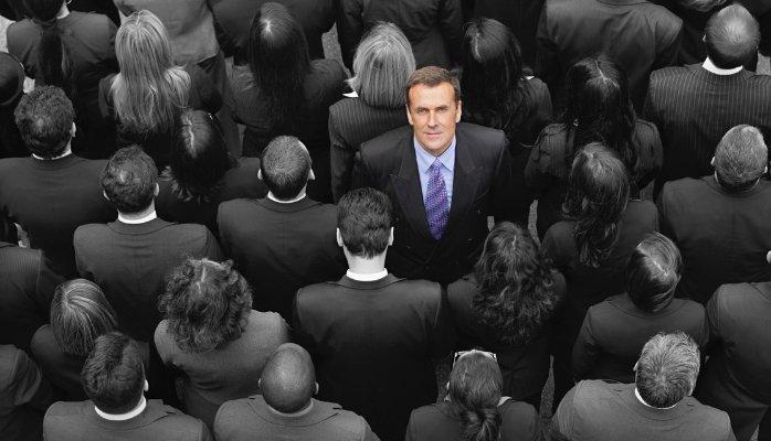 Исследование: уверенность в своей правоте делает людей слабыми